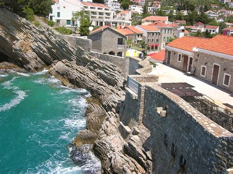 Travel tips for Petrovac town in Montenegro   Globtour