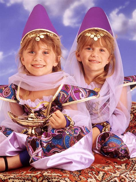 Mary-Kate and Ashley Olsen's lives in GIF form